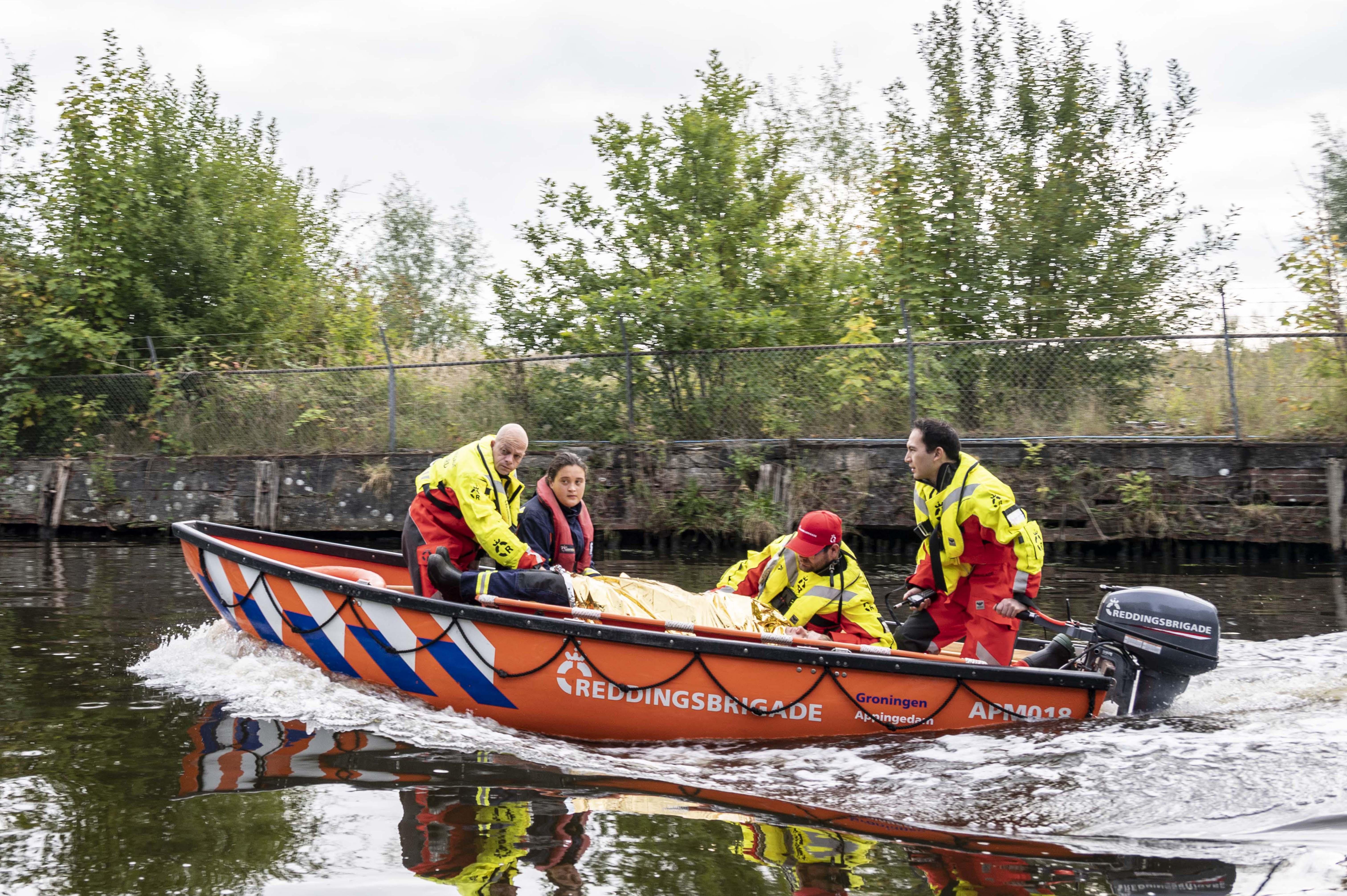 Oefening Reddingsvloot Appingedam - slachtoffer in boot
